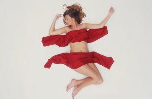 Camille Cerf : Craquante dans le clip de Boostee, elle s'affiche nue