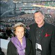 Le Tour 66 de Johnny Hallyday fait escale au Stade de France, fin mai 2009 : Jean-Claude Camus et Bernadette Chirac