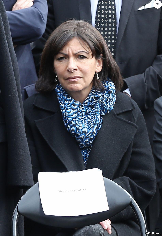 Anne Hidalgo - Obsèques de Antoine Veil au cimetière du Montparnasse à Paris. Le 15 avril 2013