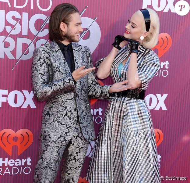 "Katy Perry, Zedd au photocall des ""2019 iHeart Radio Music Awards"" au Microsoft Theatre à Los Angeles, le 14 mars 2019."