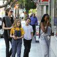 Angelina Jolie est allée déjeuner avec ses enfants Knox, Vivienne et Zahara Jolie-Pitt au restaurant Kabuki à Los Angeles, le 27 janvier 2019