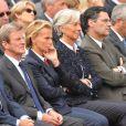 Bernard Kouchner, Christine Ockrent, Christine Lagarde, Patrick Devedjian, Hervé Morin lors de la cérémonie en hommage à ceux qui sont morts pour la France. Cimetière de Colleville-sur-mer, le 6 juin.