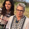 """Ninon Dechavanne en Afrique du Sud pendant que son père Christophe Dechavanne tournait la 2e saison de """"Je suis une célébrité, sortez-moi de là"""" (TF1). Ici avec Laurence Boccolini."""