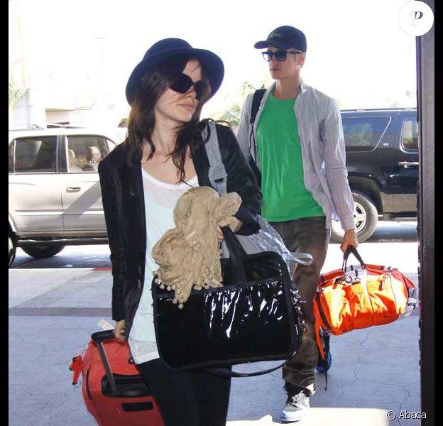 Hayden Christensen et Rachel Bilson à l'aéroport de Los Angeles
