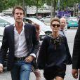 """Le prince Emmanuel Philibert de Savoie et son épouse Clotilde Courau - People arrivant au défilé Haute-Couture Automne-Hiver 2013/2014 """"Armani Privé"""" au Palais de Chaillot à Paris, le 2 juillet 2013."""