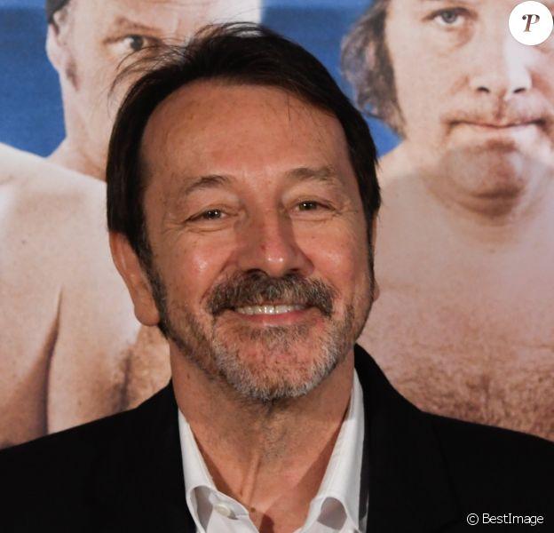 """Jean-Hugues Anglade - Première du film """"Le Grand Bain"""" à Bruxelles. Le 10 octobre 2018."""