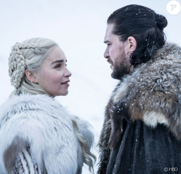 """Emilia Clarke et Kit Harington dans """"Game of Thrones"""", saison 8 - à partir du 15 avril 2019 sur OCS."""