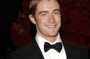 Robert Buckley, le beau gosse de Lipstick Jungle, prend la place de Brian Austin Green dans Les Frères Scott !