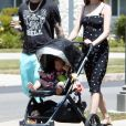 Exclusif - Adam Levine avec sa femme Behati Prinsloo et leur fille Dusty Rose se promènent à Los Angeles, le 21 juin 2018.