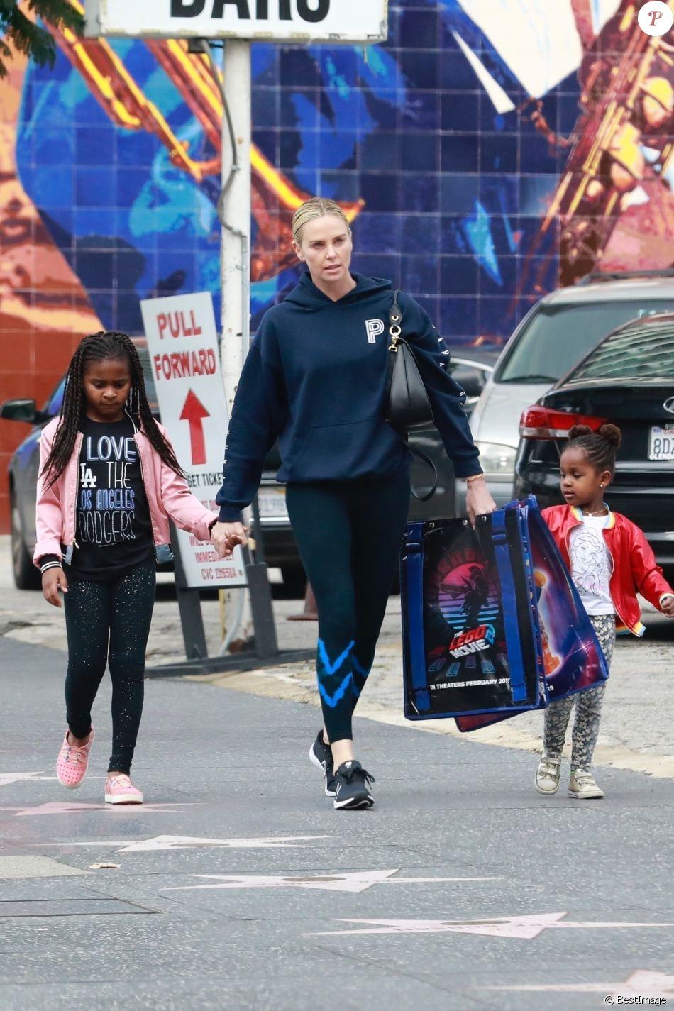 Exclusif - Charlize Theron avec ses enfants Jackson et August se rendent à la première du film Lego movie 2 à Hollywood le 1er février, 2019
