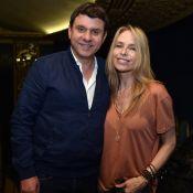 Tonya Kinzinger non loin d'un Philippe Risoli barbu pour une soirée théâtre