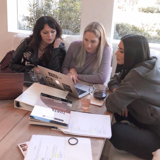 Kim Kardashian révèle s'être inscrite au barreau de l'État de Californie pour devenir avocate. Avril 2019.