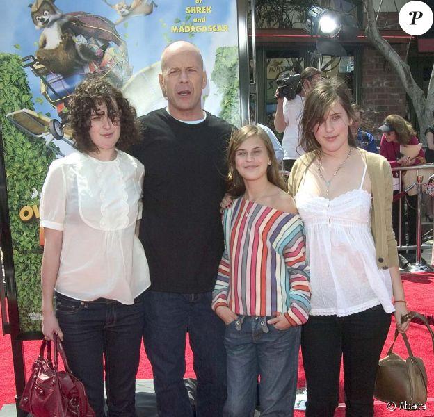 Bruce Willis est ultra protecteur avec ses trois filles, Rumer, Scout LaRue et Tallulah Belle. L'interprète de John McLane est prêt à tout si l'on touche à un seul de leur cheveu.