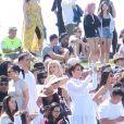 """Le clan Kardashian (Kim, Khloe et Kourtney Kardashian, Kris, Kendall et Kylie Jenner) et leurs amis (Luka Shabbat, Hailey Balwin, Travis Scott, assistent à la messe de Kanye West lors du festival """"Coachella 2019"""" à Indio, le 21 avril 2019."""