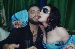 """Madonna croque l'orteil de Maluma dans leur clip sexy """"Medellín"""" !"""