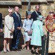 Le prince Harry, duc de Sussex, Zara Tindall, Mike Tindall, le prince William, duc de Cambridge, et Catherine (Kate) Middleton, duchesse de Cambridge, le prince Andrew, duc d'York et la reine Elisabeth II d'Angleterre, arrivent pour assister à la messe de Pâques à la chapelle Saint-Georges du château de Windsor, le 20 avril 2019.