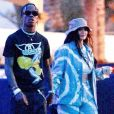 Exclusif - Kylie Jenner et son compagnon Travis Scott se rendent au festival Coachella, Kylie porte un bob beige et un ensemble en jean tye and dye. Indio, le 13 avril 2019. Exclusive - for Germany please call for price Kylie Jenner and Travis Scott are ready for some fun on day two of Coachella! The couple could be seen waiting to order some drinks and chatting with fellow festival goers. Indio, April 13th 2019.13/04/2019 - Indio