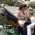 Eva Longoria se promène à Malaga avec des amis après avoir tourné une publicité pour Heineken