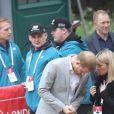 Le prince Harry, duc de Sussex, a fait une apparition surprise au marathon de Londres pour remettre des médailles le 28 avril 2019, alors que l'accouchement de sa femme la duchesse Meghan était imminent.
