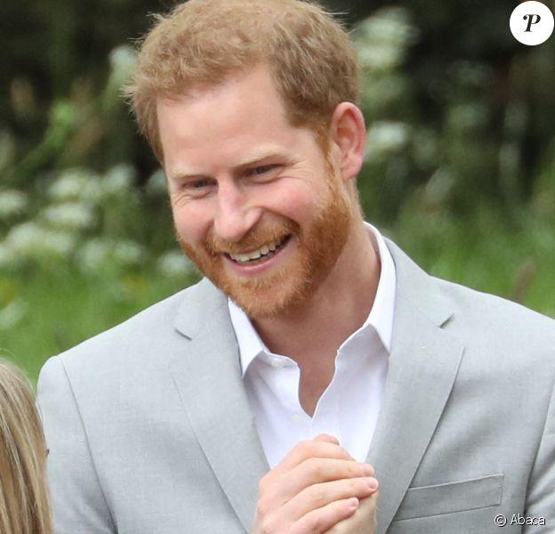 Le prince Harry, duc de Sussex, a fait une apparition au marathon de Londres pour remettre des médailles le 28 avril 2019, alors que la naissance de son premier enfant avec sa femme la duchesse Meghan était imminent.