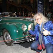Pierre-Jean Chalençon et Bruno Solo épatés par de belles voitures