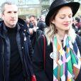 Marion Cotillard et son compagnon Guillaume Canet à la sortie de l'hommage à Agnès Varda dans la Cinémathèque française avant ses obsèques au cimetière du Montparnasse à Paris, France, le 2 avril 2019