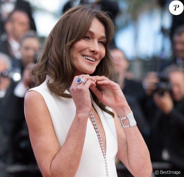 """Carla Bruni Sarkozy (Robe Dior Haute-Couture) - Montée des marches du film """"Le Grand Bain"""" lors du 71ème Festival International du Film de Cannes. Le 13 mai 2018 © Borde-Jacovides-Moreau/Bestimage"""