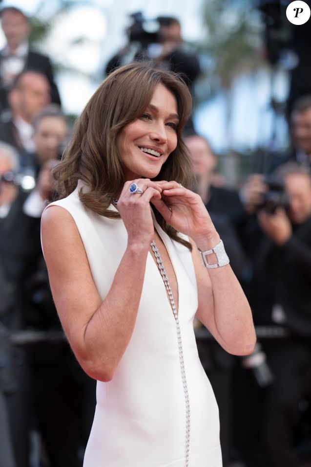 "Carla Bruni Sarkozy (Robe Dior Haute-Couture) - Montée des marches du film ""Le Grand Bain"" lors du 71ème Festival International du Film de Cannes. Le 13 mai 2018 © Borde-Jacovides-Moreau/Bestimage"