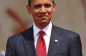 Quand Barack Obama ordonne de... raser la tête d'un animateur-vedette en direct ! Regardez !