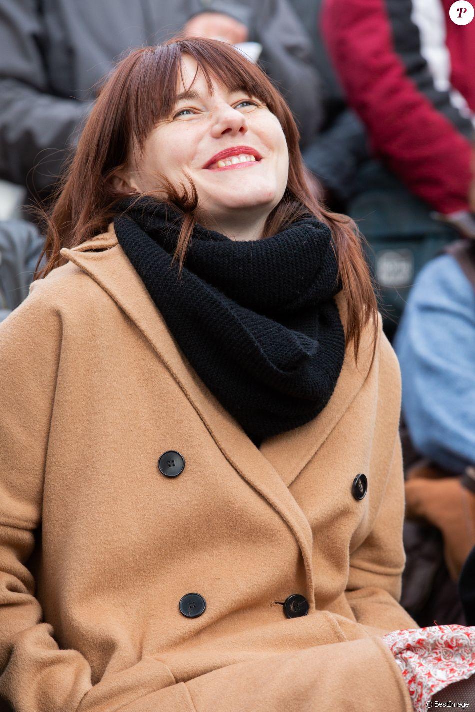 Exclusif - Lou Villafranca, la fille de Maurane - Inauguration du square Maurane, un an après sa mort, à Schaerbeekprès de Bruxelles, Belgique, le 7 mai 2019. © Alain Rolland / Imagebuzz / Bestimage
