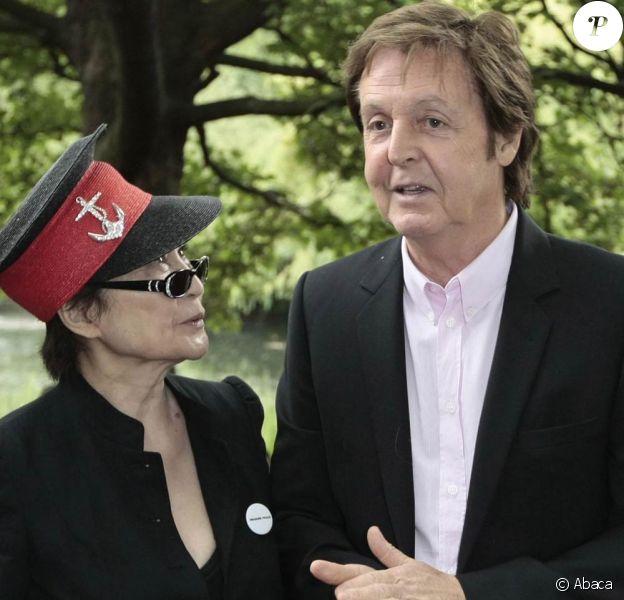 Lancement de la campagne Meat free Monday, à Londres, le 15 juin 2009 : Yoko Ono et Paul McCartney