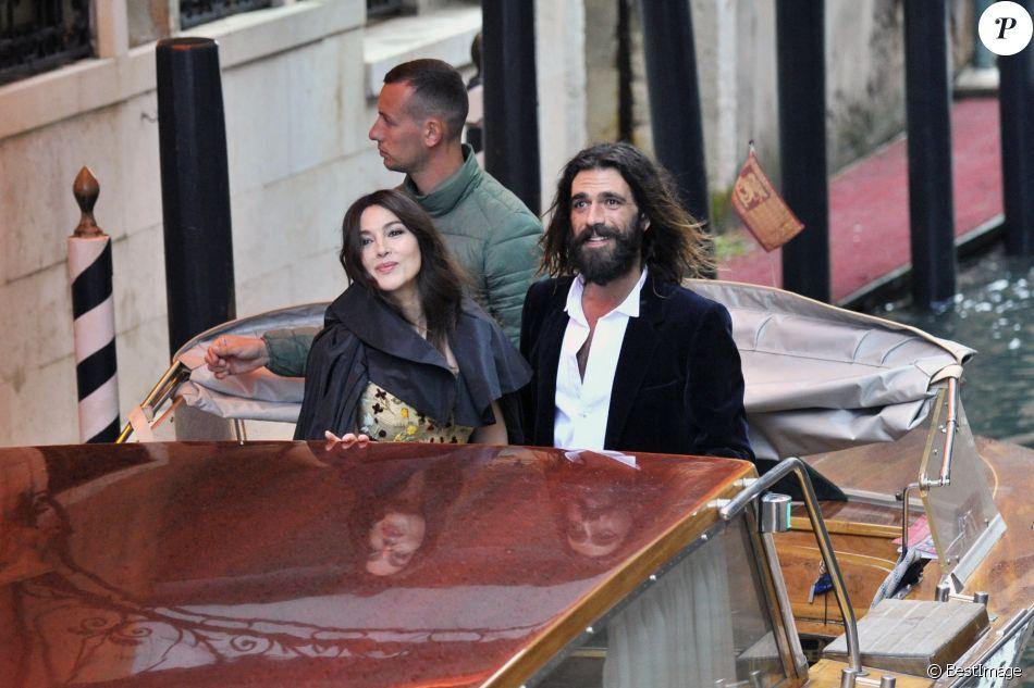 Monica Bellucci et son compagnon Nicolas Lefebvre arrivent au bal masqué Dior à Venise, Italie, le 11 mai 2019.