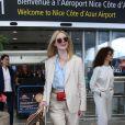 Elle Fanning, membre du jury du festival de Cannes arrive à l'aéroport de Nice en marge de la 72ème édition du Festival de Cannes le 12 mai 2019.