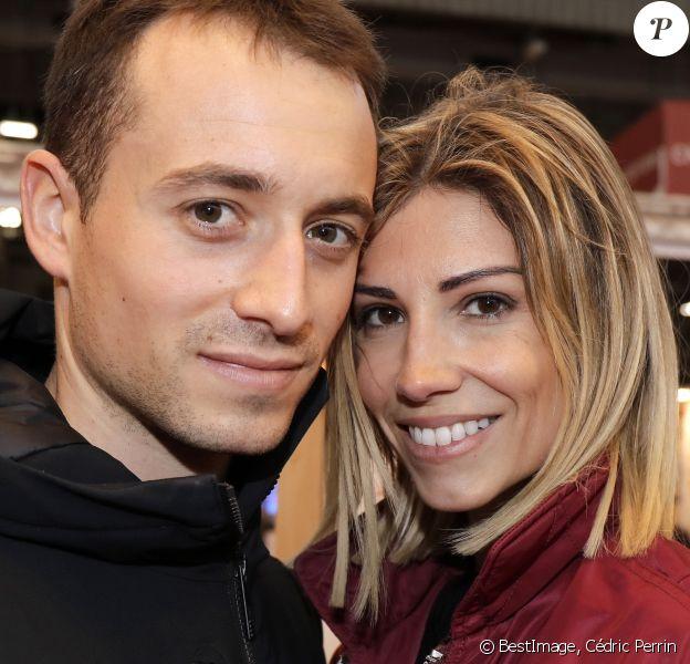 Hugo Clément et Alexandra Rosenfeld (Miss France 2006) lors du salon du livre de Paris le 16 mars 2019. © Cédric Perrin/Bestimage