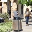 Britney Spears, souriante et rayonnante, se balade main dans la main avec son compagnon Sam Asghari à Camarillo en Californie.  Le 17 mai 2019