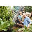 Kate Middleton et le prince William publient des photos de leur après-midi du dimanche 19 mai 2019 en famille au Chelsea Flower Show, avec leurs enfants (le prince George, la princesse Charlotte et le prince Louis) sur Instagram. Photo prise par @mattporteous.