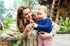 Kate Middleton et le prince William en famille : le prince Louis, 1 an, marche