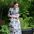 """Kate Middleton, duchesse de Cambridge, en robe Erdem, dans son jardin baptisé """"Back to Nature"""" au """"Chelsea Flower Show 2019"""" à Londres, le 20 mai 2019."""