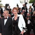 """Natacha Polony et son mari Perico Légasse- Montée des marches du film """"L'Amant Double"""" lors du 70ème Festival International du Film de Cannes. Le 26 mai 2017. © Borde-Jacovides-Moreau / Bestimage"""