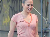 Jennifer Lopez toujours amincie a enfin retrouvé son maquillage... et son sourire !