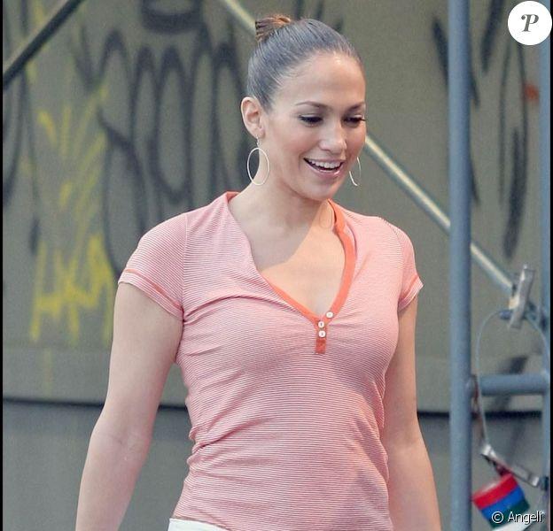 """Jennifer Lopez sur le tournage de son dernier film """"Plan B"""", hier à Los Angeles"""