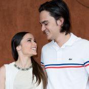 Capucine Anav et Alain-Fabien Delon, très amoureux et lookés à Roland-Garros