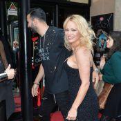 """Pamela Anderson et Adil Rami : Épatés au Crazy Horse par une """"Bionic Showgirl"""""""