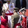 La reine Letizia d'Espagne portait une robe Cherubina lors du défilé militaire de la Journée des forces armées à Séville, le samedi 1er juin 2019.