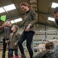 Le prince William, duc de Cambridge, et Catherine Kate Middleton, duchesse de Cambridge, participent aux activités de la ferme Deepdale Hall à Patterdale le 11 juin 2019.