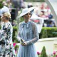 Kate Middleton, duchesse de Cambridge (en robe Elie Saab), et Zara Phillips (Tindall) au Royal Ascot le 18 juin 2019.