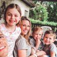 Le chanteur américain de country Granger Smith avec sa femme Amber et leurs trois enfants, River, Monarch et London. Photo publiée sur Instagram le 12 mai 2019.