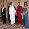 Carla Bruni et Nicolas Sarkozy reçoivent l'Emir du Qatar et son épouse à l'Elysée pour un dîner d'Etat. 22/06/09
