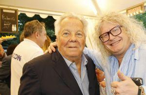 Didier Barbelivien : Rare sortie avec ses jumelles et sa jeune compagne