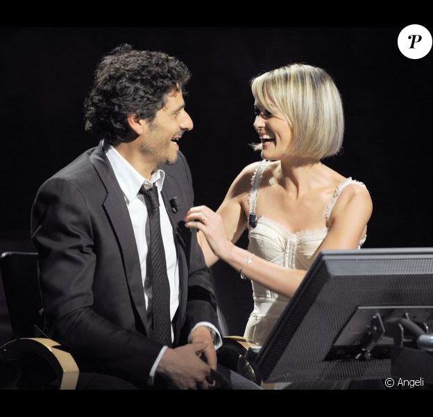 Laeticia Hallyday et Pascal Elbé sur le tournage de l'émission Qui veut gagner des millions ? 22/06/09